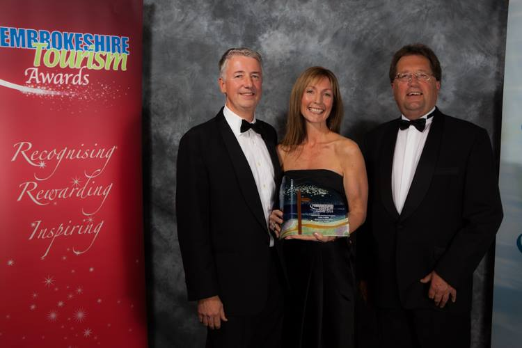 Clydey Cottages presented with Gold Award by David Witt of West Wales Holiday Cottages in the 2014 Pembrokeshire Tourism Awards