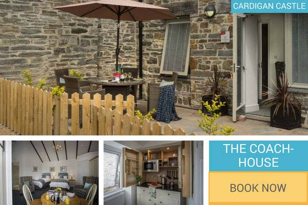 Self-catering disabled access holiday cottage Cardigan Castle